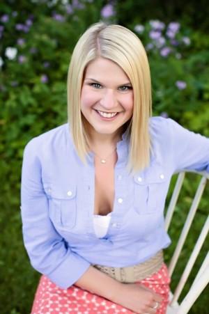 Lindsay Healless Headshot